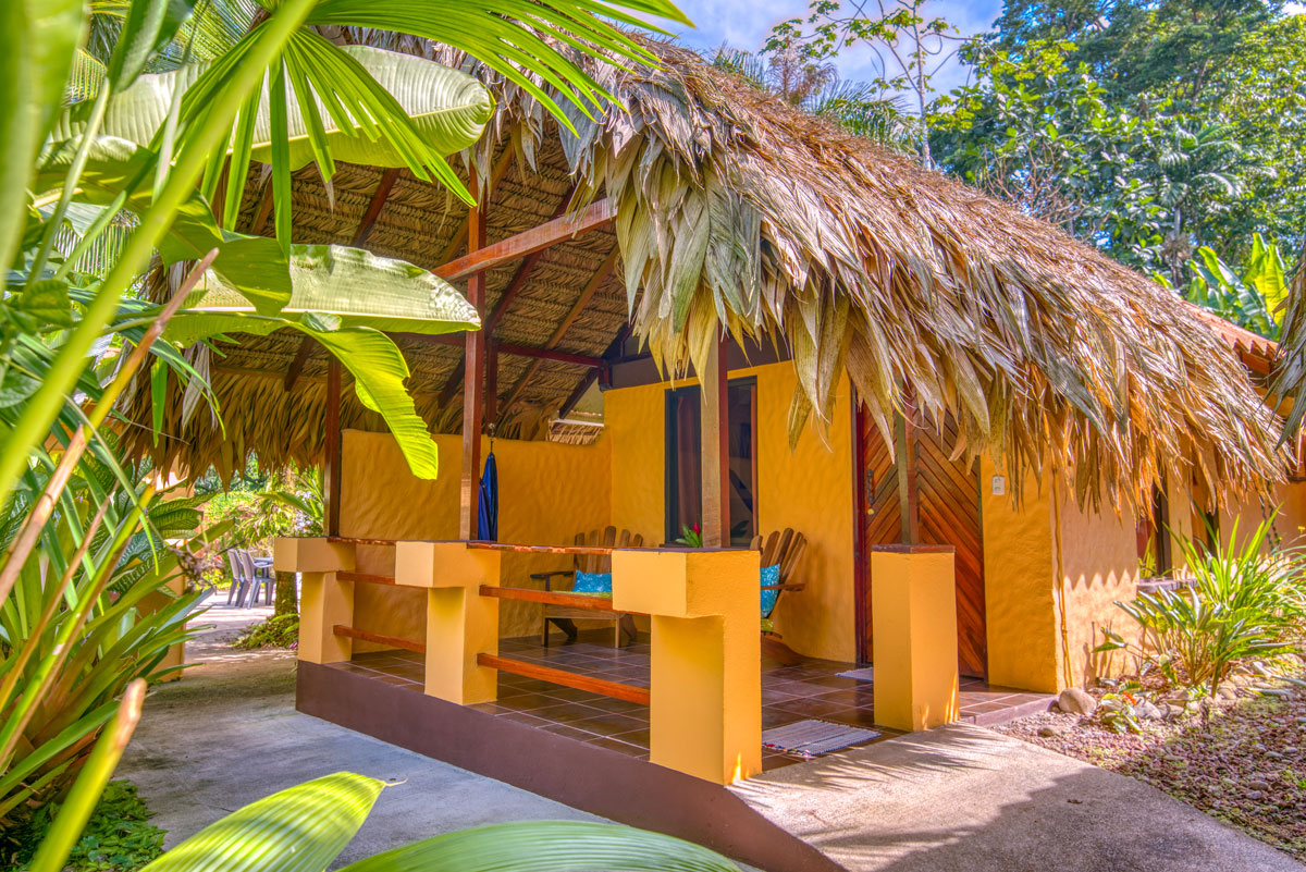 CARIBE TOWN HOTEL SUPERIOR HONEYMOON BUNGALOW